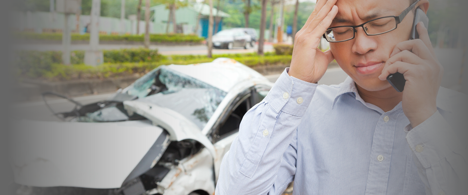 Man calling his car accident lawyer in Toronto